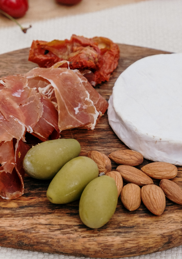How to Make a Health-Friendly Charcuterie Board